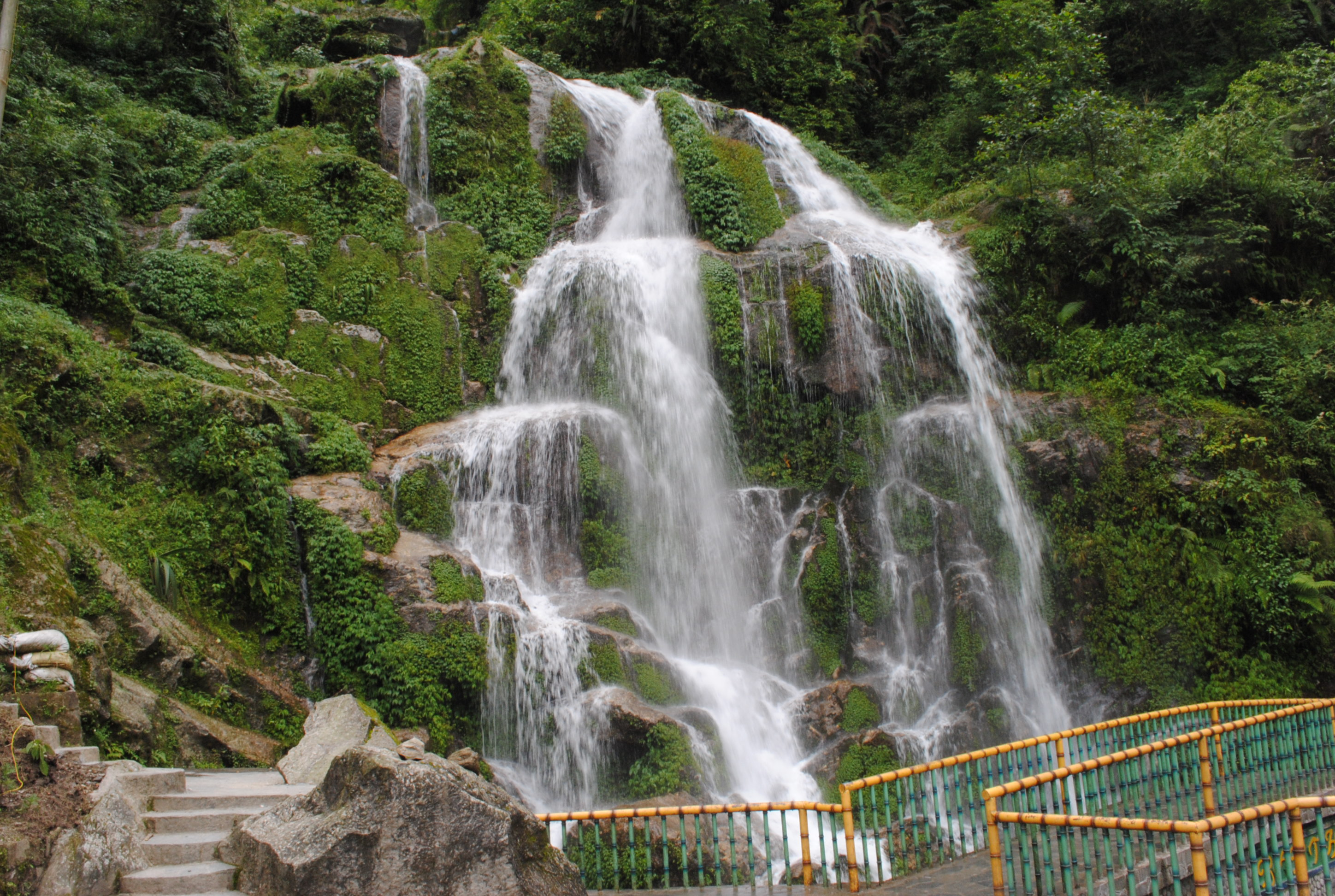 Banjakhri Fall